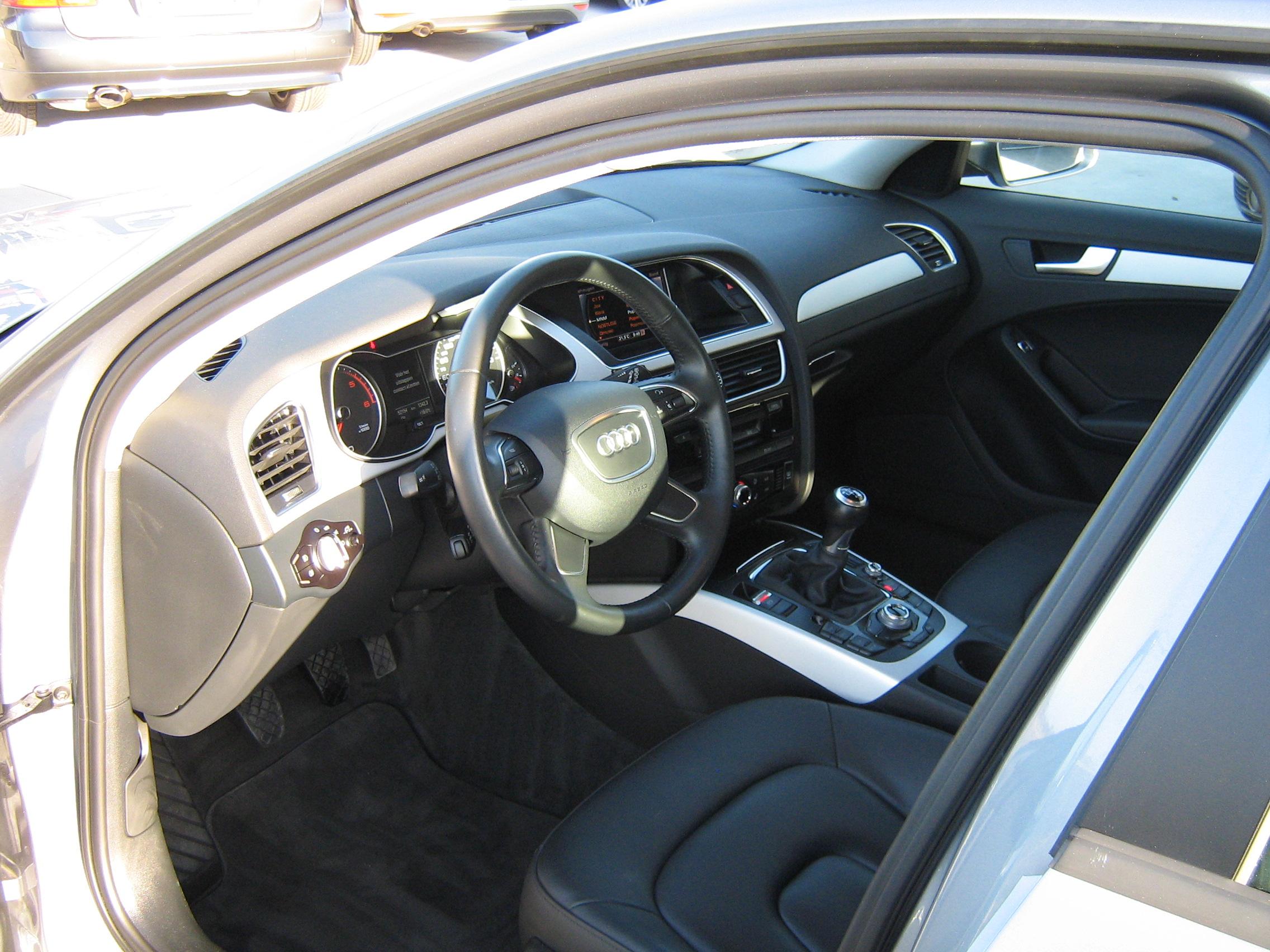 Audi a4 break 48900 km 2 0tdi 136 pk eur6 for Audi a4 break interieur